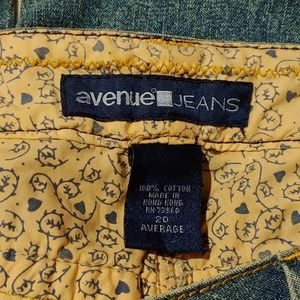 Avenue Jeans Light Wash with Print Lining